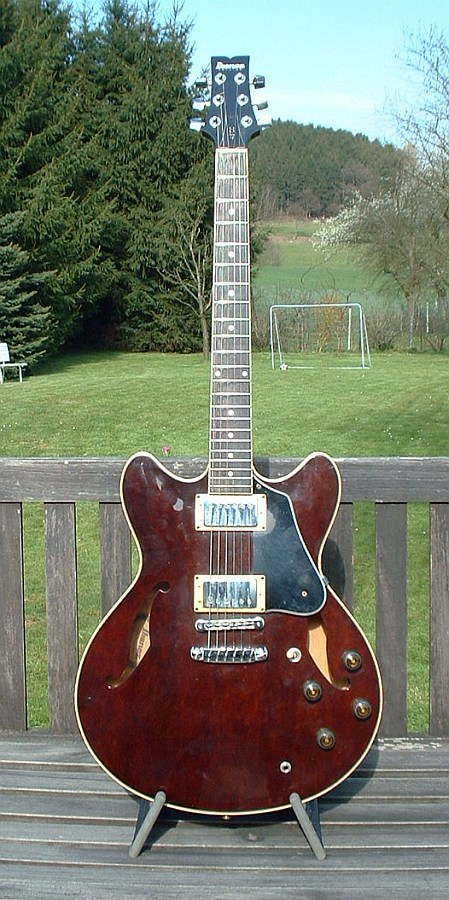 Ibanez AS 100